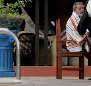 Lula em oração, por Celso Júnior
