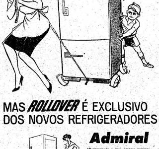 Chegou a geladeira com rodinhas