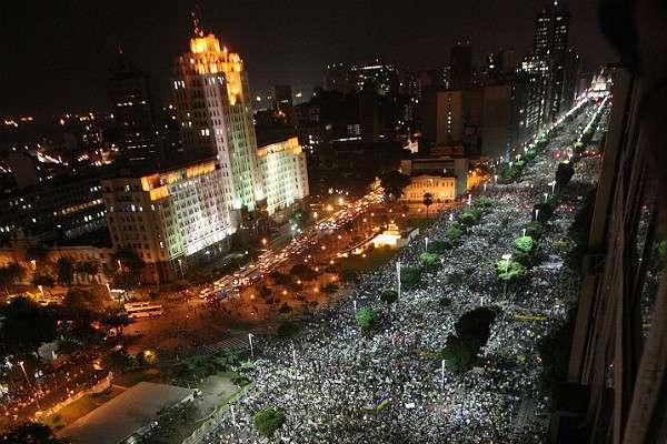 Protestos reúnem mais de 1 milhão nas ruas pelo País; grupo invade e depreda o Itamaraty; em Ribeirão, um morre atropelado